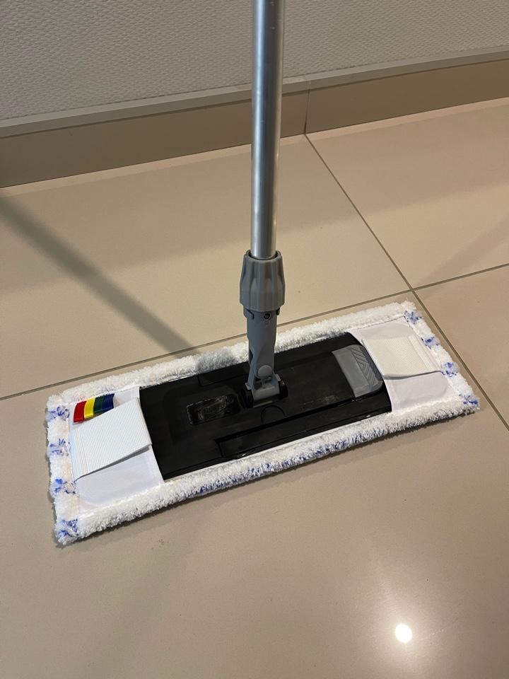 Швабра для уборки дома и офиса