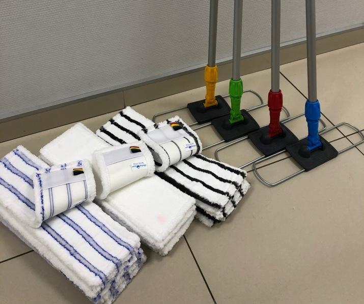 4 Швабры для мытья пола с железными флаундерами 40 см с мопами в соответствии с СанПин