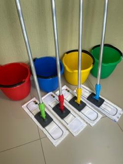 Швабры с ведрами комплект красный, синий, желтый, зеленый